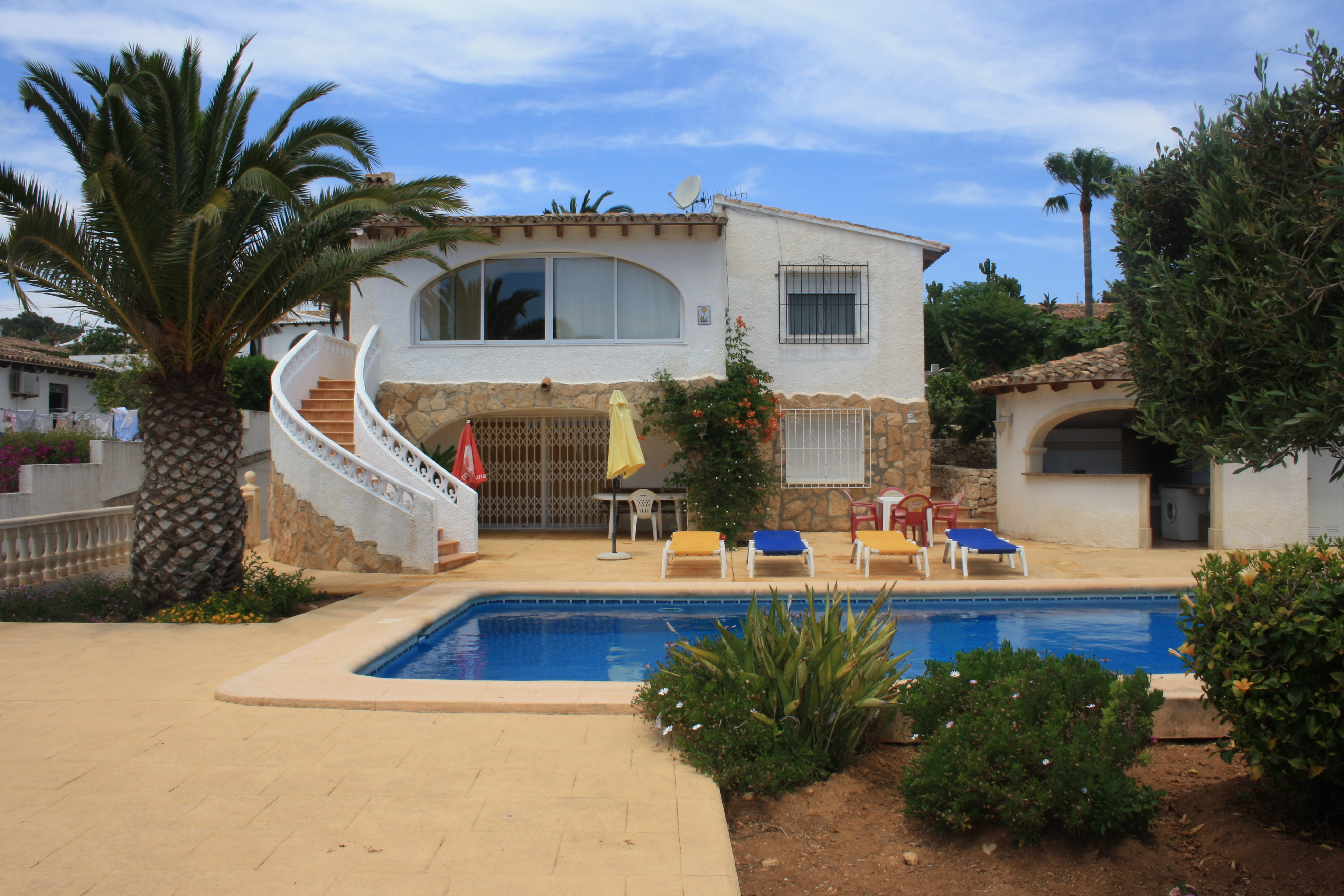 To rent Villa TEULADA MORAIRA Alicante